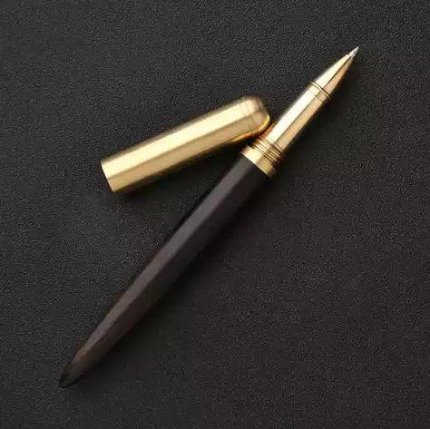 Шариковая деревянная ручка