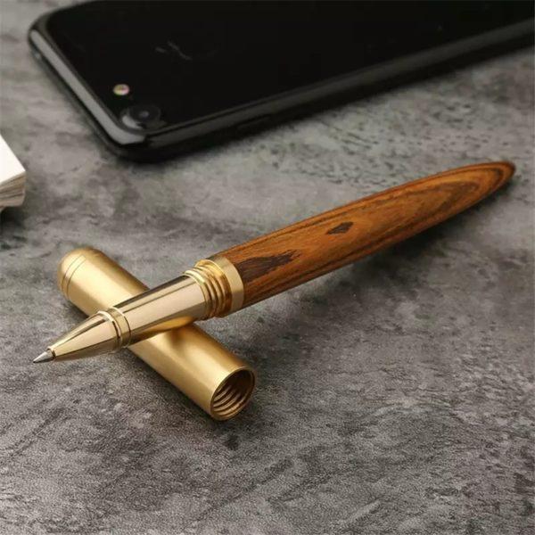 Пишущая ручка из дерева